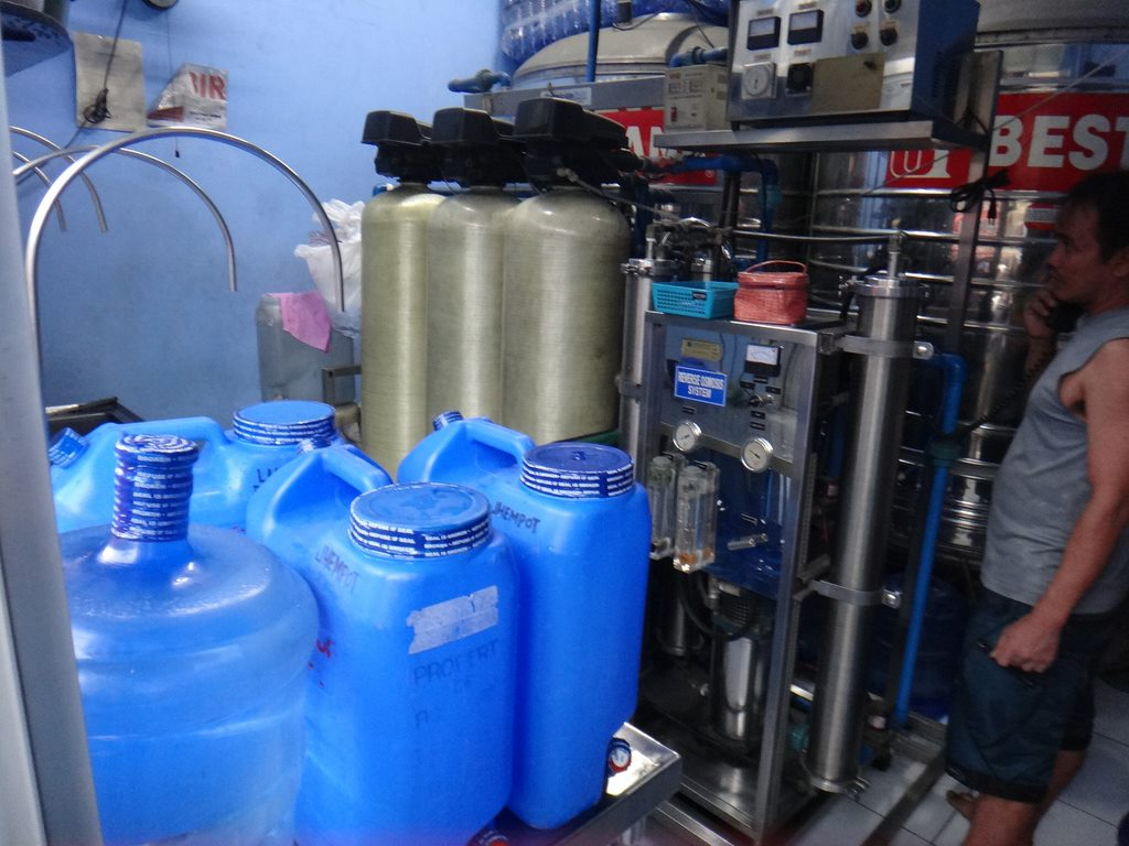 飲料水タンク
